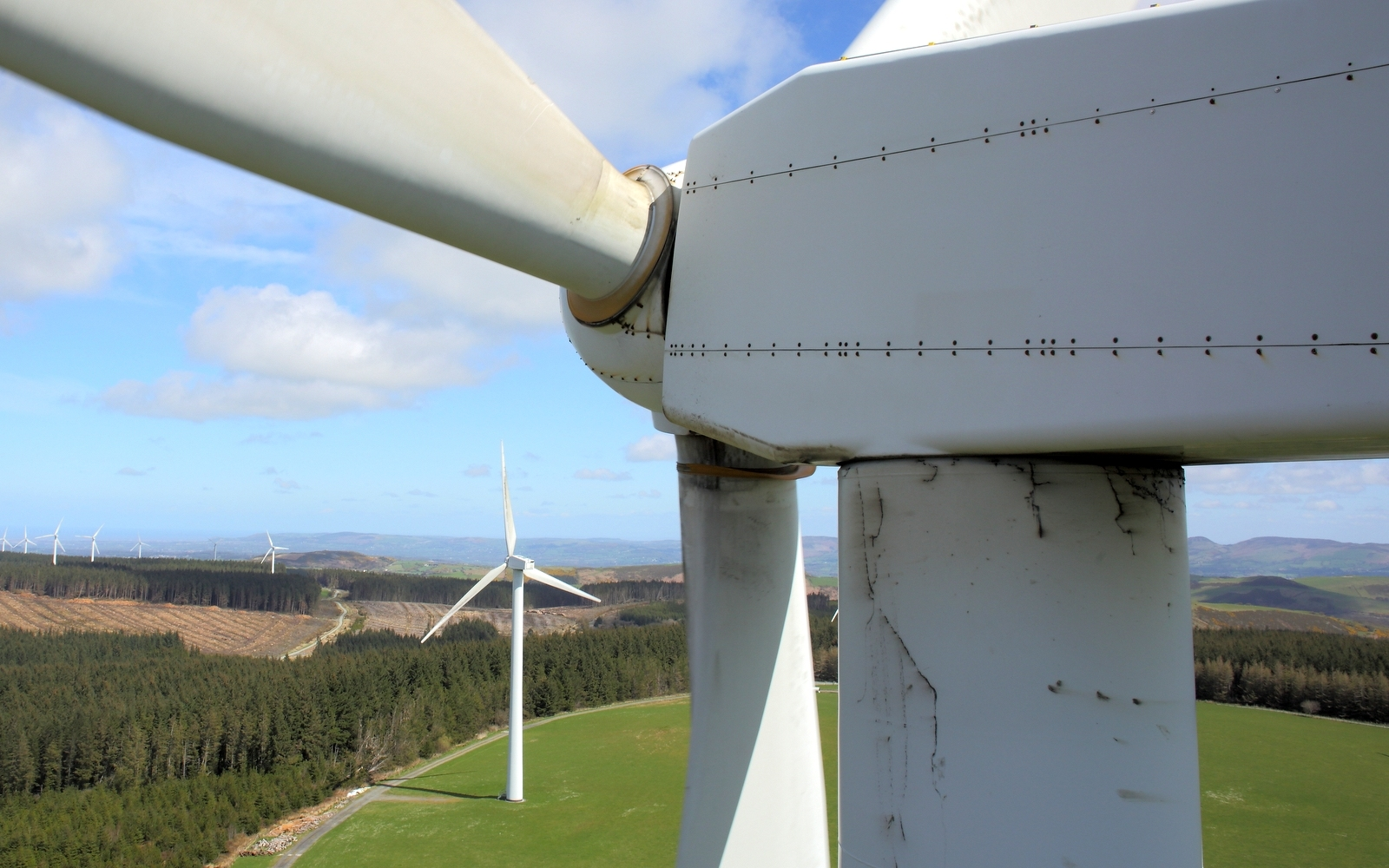 windturbine-inspection-maintenance-longstaff-media-drone-aerial.jpg#asset:244